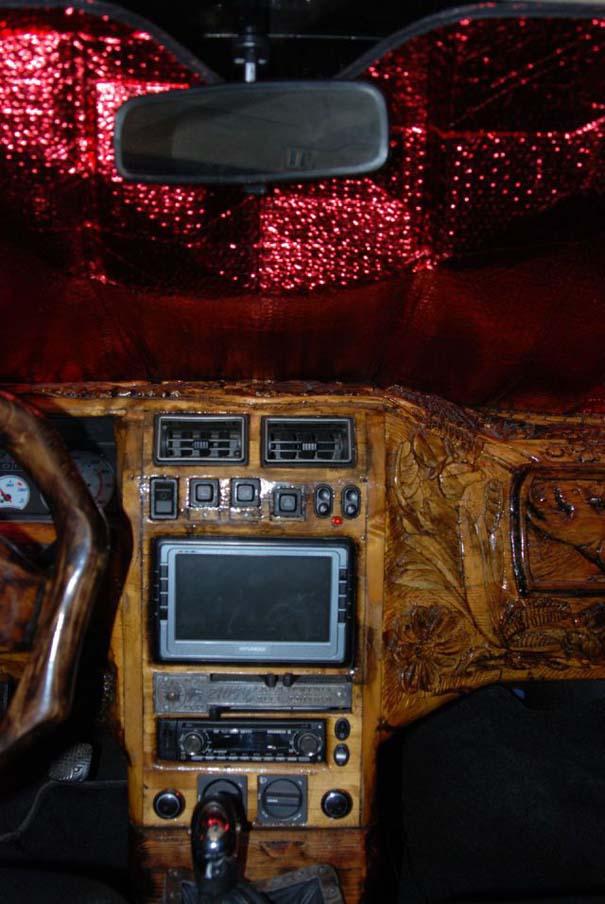 Ένα Lada με μοναδική εσωτερική επένδυση (14)