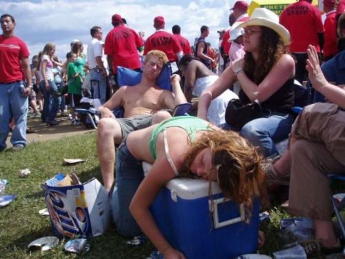 Μεθυσμένοι σε αστείες φωτογραφίες (2)