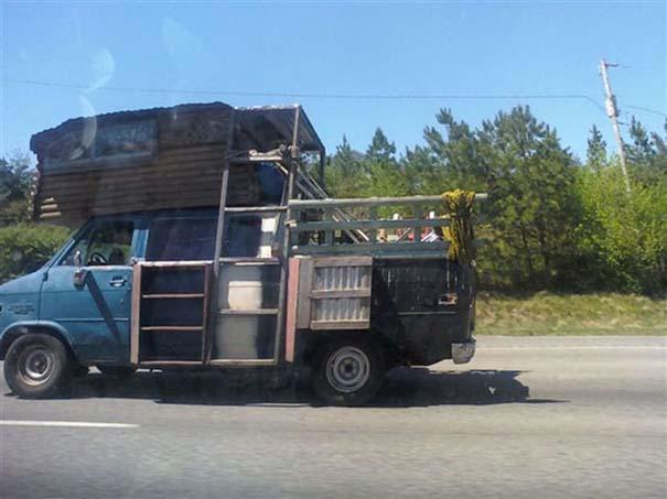 Παράξενες κι επικίνδυνες συνήθειες στην οδήγηση (1)