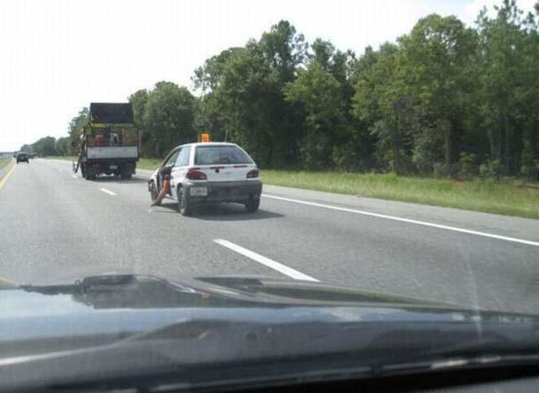 Παράξενες κι επικίνδυνες συνήθειες στην οδήγηση (4)