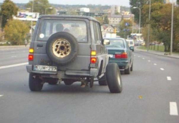 Παράξενες κι επικίνδυνες συνήθειες στην οδήγηση (12)