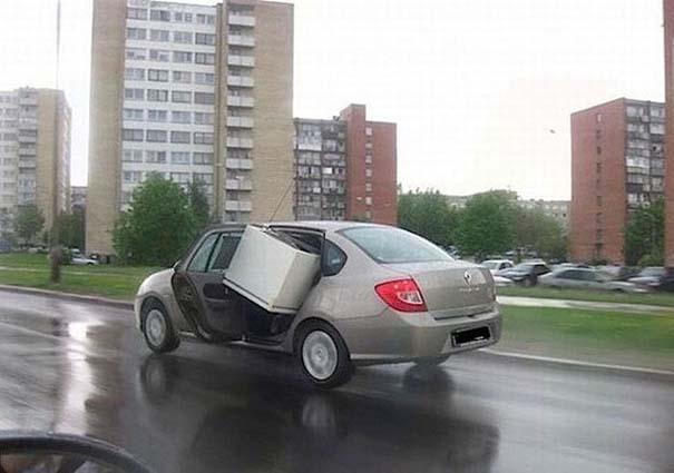 Παράξενες κι επικίνδυνες συνήθειες στην οδήγηση (26)