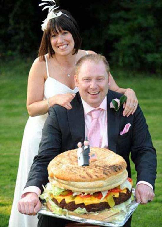 Οι πιο παράξενες και τραγικές φωτογραφίες ζευγαριών (2)