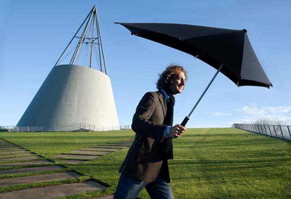 Παράξενες ομπρέλες (8)