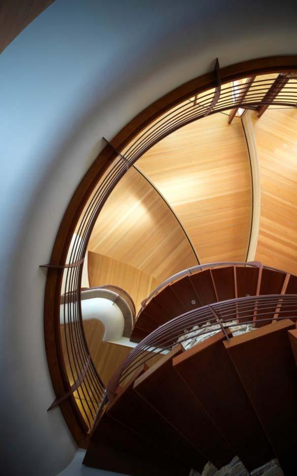 Ένα στολίδι της αρχιτεκτονικής μέσα στη φύση (1)