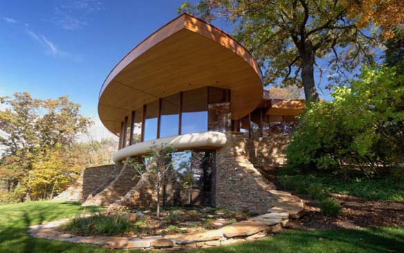 Ένα στολίδι της αρχιτεκτονικής μέσα στη φύση (8)