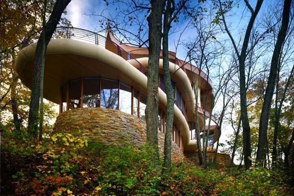 Ένα στολίδι της αρχιτεκτονικής μέσα στη φύση (16)