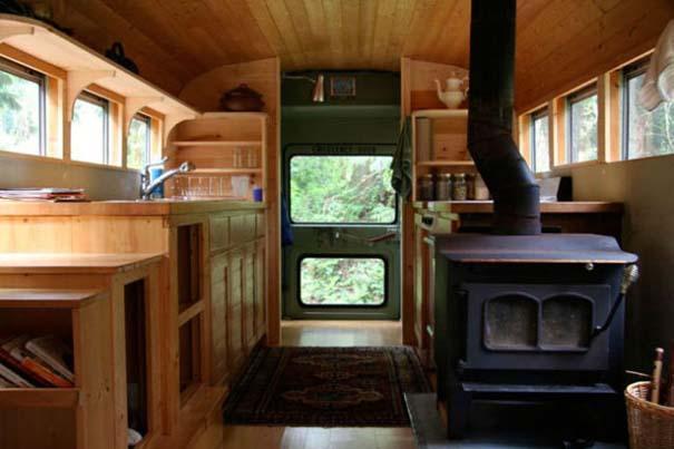 Σχολικό λεωφορείο μετατράπηκε σε σπίτι (2)