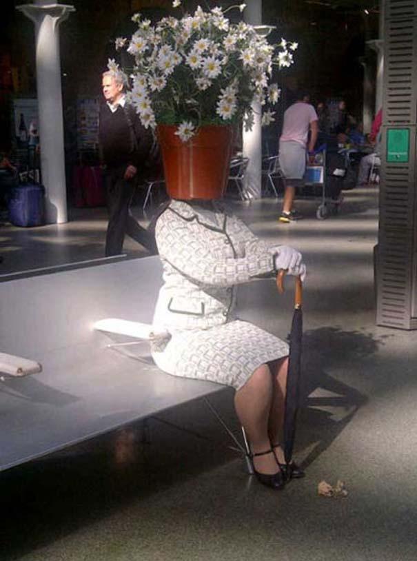 Το βραβείο πιο παράξενου καπέλου πάει σε αυτή την κυρία... (1)