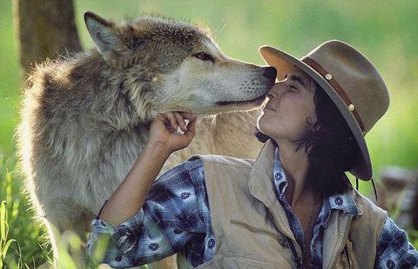 Ζώντας με τους λύκους (1)