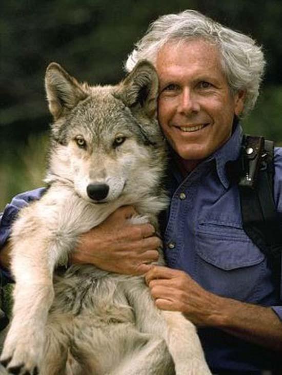 Ζώντας με τους λύκους (18)