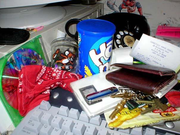 Ακατάστατα γραφεία (5)