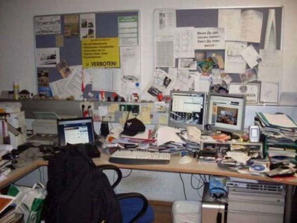 Ακατάστατα γραφεία (6)