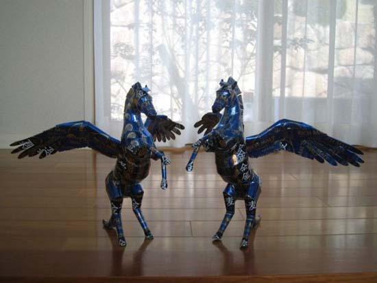 Απίστευτες δημιουργίες από κουτάκια αναψυκτικών (5)