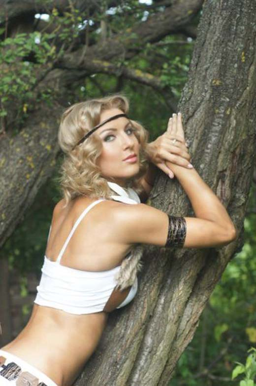 Catherine Vandareva: Ένα μοντέλο που... δέρνει! (13)