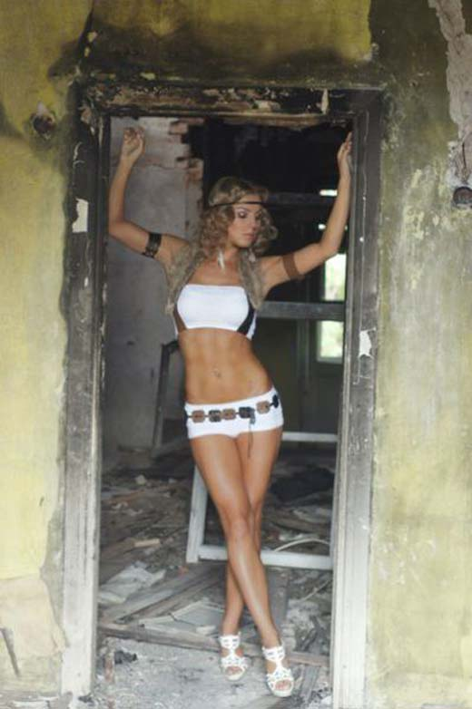Catherine Vandareva: Ένα μοντέλο που... δέρνει! (22)