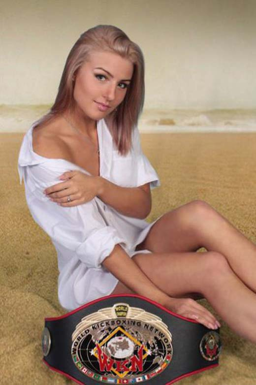 Catherine Vandareva: Ένα μοντέλο που... δέρνει! (23)