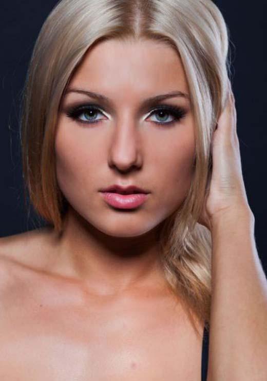 Catherine Vandareva: Ένα μοντέλο που... δέρνει! (29)