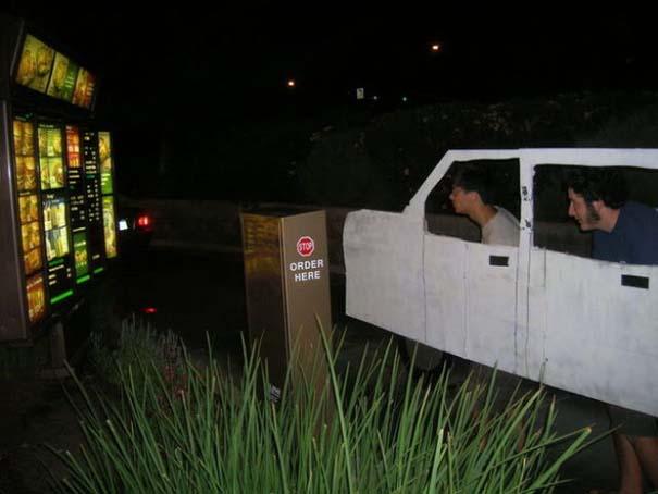 Πράγματα που δεν περιμένεις να δεις σε ένα Drive-Thru (1)