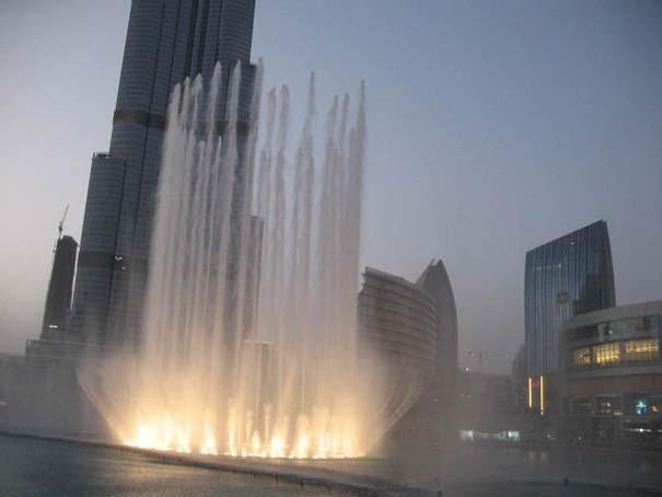 Dubai Fountain: Το εντυπωσιακότερο συντριβάνι στον κόσμο (3)