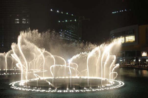 Dubai Fountain: Το εντυπωσιακότερο συντριβάνι στον κόσμο (10)