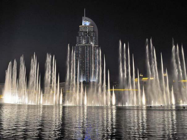 Dubai Fountain: Το εντυπωσιακότερο συντριβάνι στον κόσμο (11)