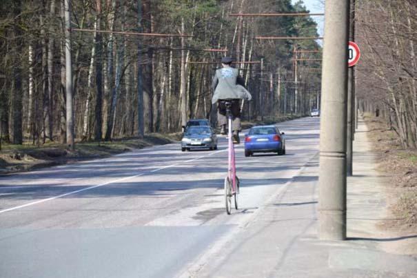 Εν τω μεταξύ, στη Λετονία... (19)