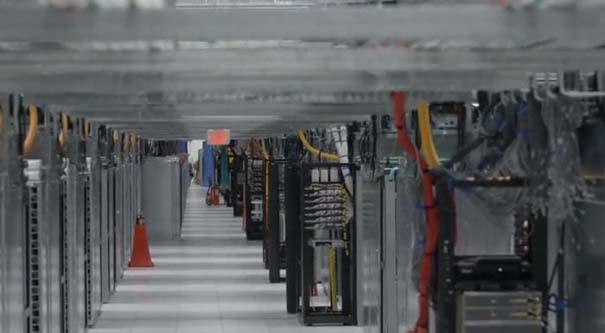 Google Data Center (27)