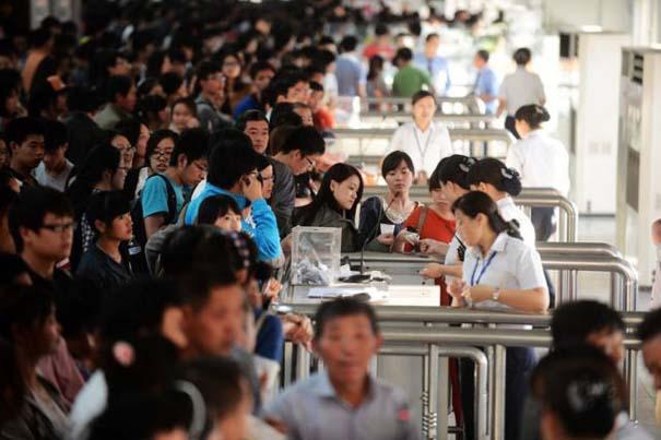 Δείτε τι γίνεται στα «ΚΤΕΛ» της Κίνας σε περίοδο διακοπών (3)