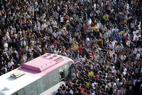 Δείτε τι γίνεται στα «ΚΤΕΛ» της Κίνας σε περίοδο διακοπών (9)