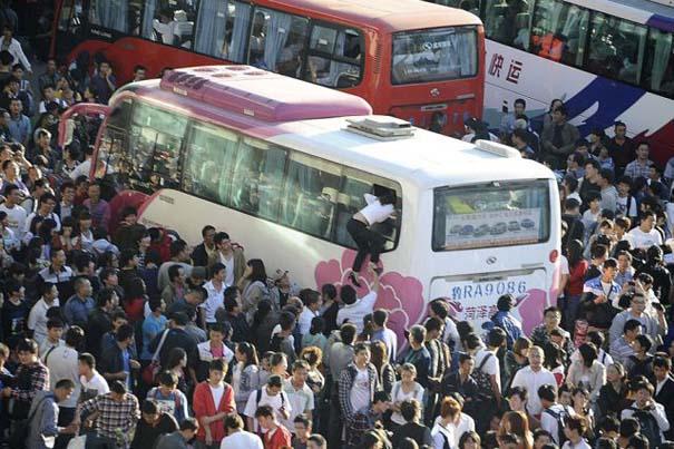 Δείτε τι γίνεται στα «ΚΤΕΛ» της Κίνας σε περίοδο διακοπών (10)