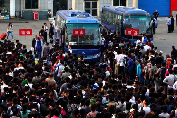 Δείτε τι γίνεται στα «ΚΤΕΛ» της Κίνας σε περίοδο διακοπών (13)
