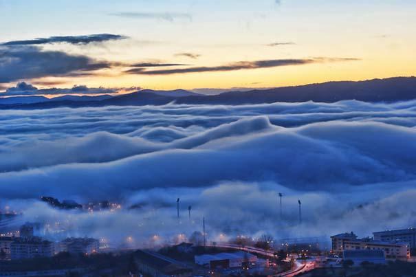 Πάνω απ' τα σύννεφα (1)