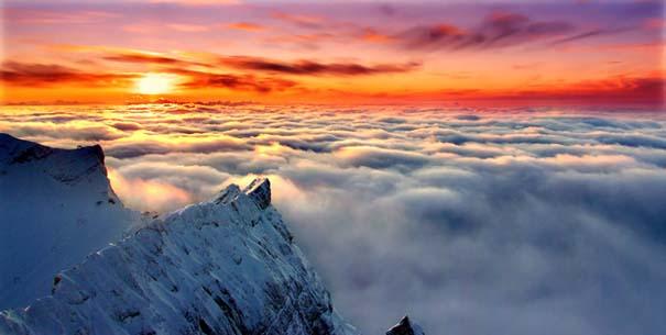 Πάνω απ' τα σύννεφα (3)