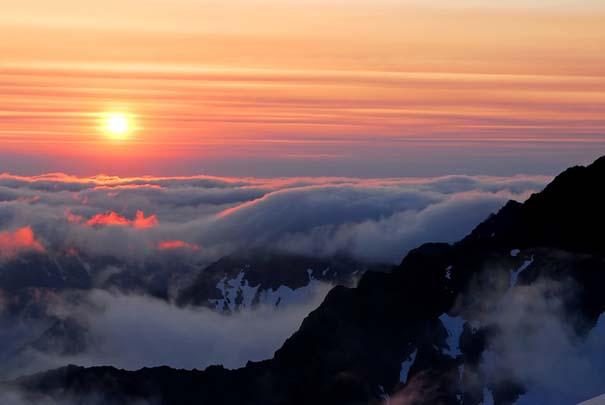 Πάνω απ' τα σύννεφα (10)