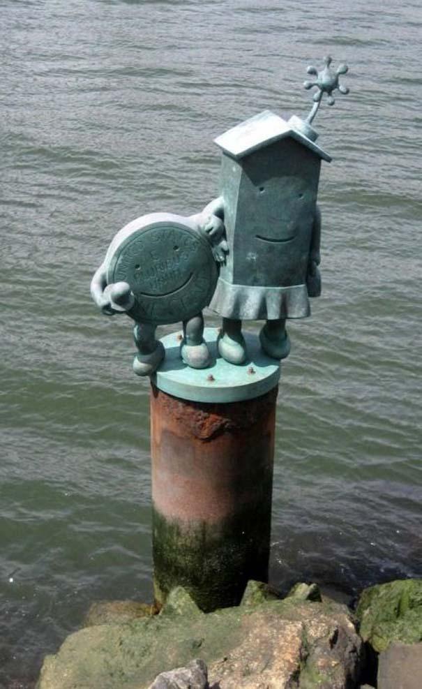 Παράξενα γλυπτά & αγάλματα (5)