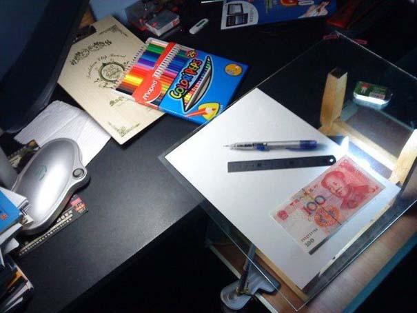 Ταλαντούχος καλλιτέχνης ζωγραφίζει πιστά αντίγραφα χαρτονομισμάτων (2)