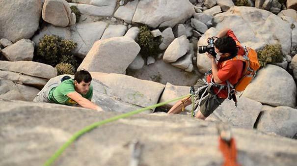 Έχετε αναρωτηθεί ποτέ πως φωτογραφίζουν τους ορειβάτες; (9)