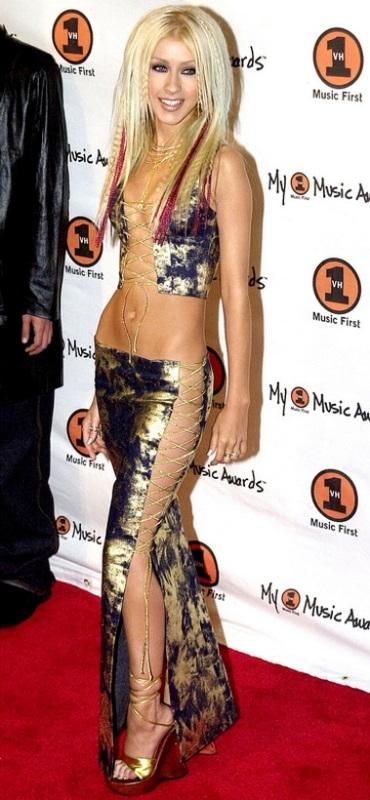 Η σοκαριστική αλλαγή της Christina Aguilera από το 1999 μέχρι σήμερα (2)