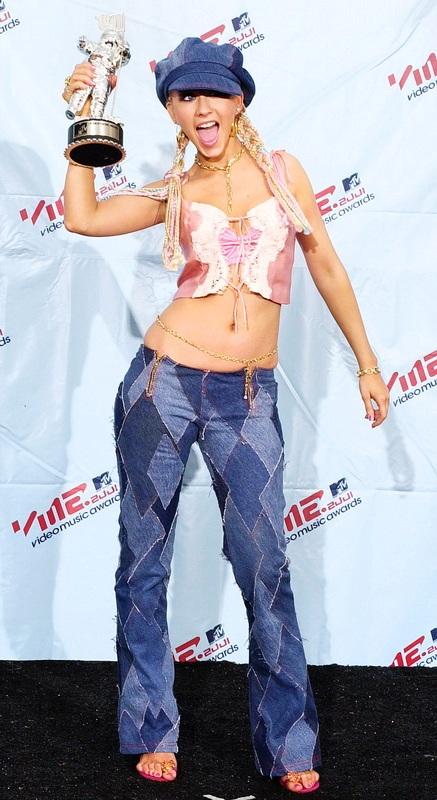 Η σοκαριστική αλλαγή της Christina Aguilera από το 1999 μέχρι σήμερα (3)