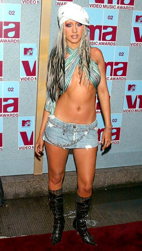Η σοκαριστική αλλαγή της Christina Aguilera από το 1999 μέχρι σήμερα (4)