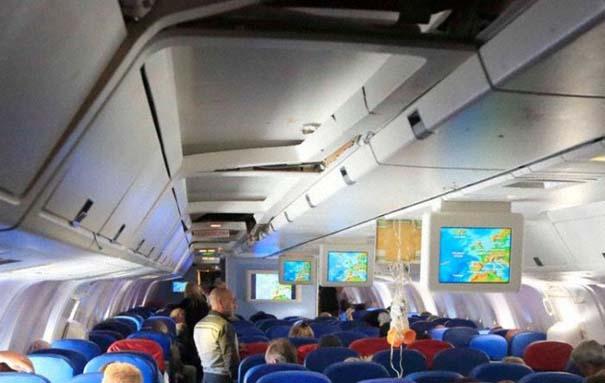 Αεροπλάνο σε κενό αέρος (2)