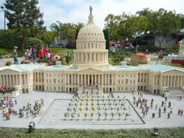 Διάσημα μνημεία και οι... φθηνές απομιμήσεις τους (15)
