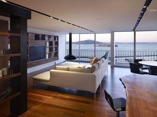 Εντυπωσιακά σπίτια στην παραλία (1)