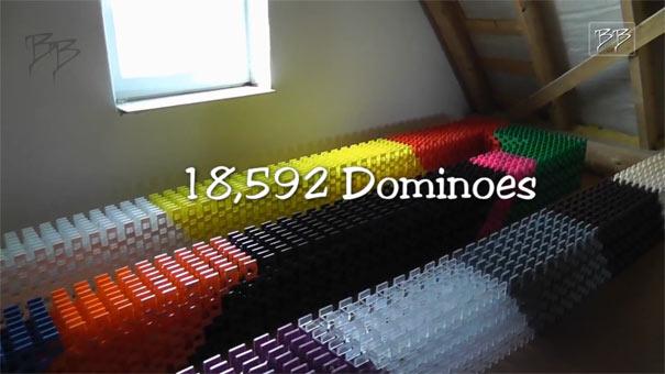Το μακρύτερο 3D Domino στον κόσμο