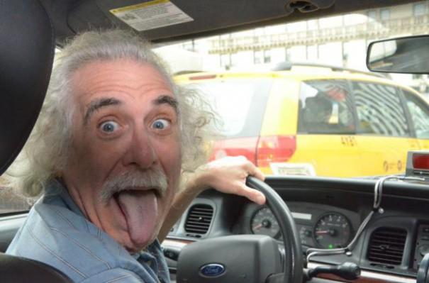 Ο Άλμπερτ Αϊνστάιν είναι οδηγός ταξί στη Νέα Υόρκη   Φωτογραφία της ημέρας