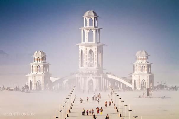 Η πόλη που μπορεί να βρεθεί μόνο μια φορά τον χρόνο (4)