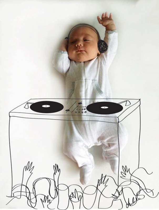 Μητέρα μετατρέπει τις πόζες του μωρού της σε ξεκαρδιστικές δραστηριότητες (1)