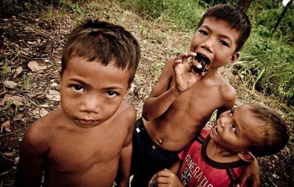 Σοκαριστικό σνακ για τα παιδιά της Καμπότζης (5)