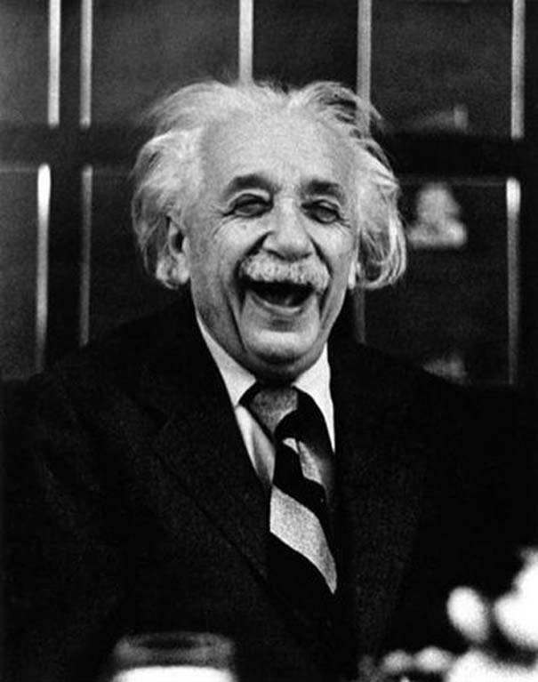 «Σοβαροί» διάσημοι σε αστείες στιγμές (7)